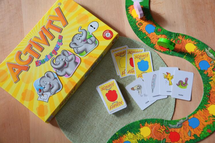 Activity Kindergarten Familienspiel