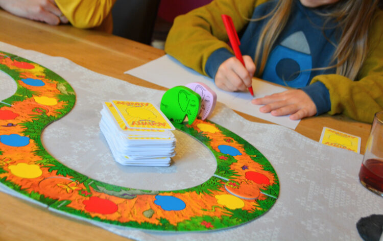 Activity Kindergarten Kinder spielen