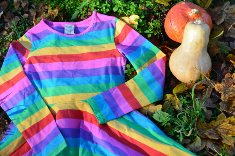 Frugi Sofia Regenbogenkleid Fannyswelt