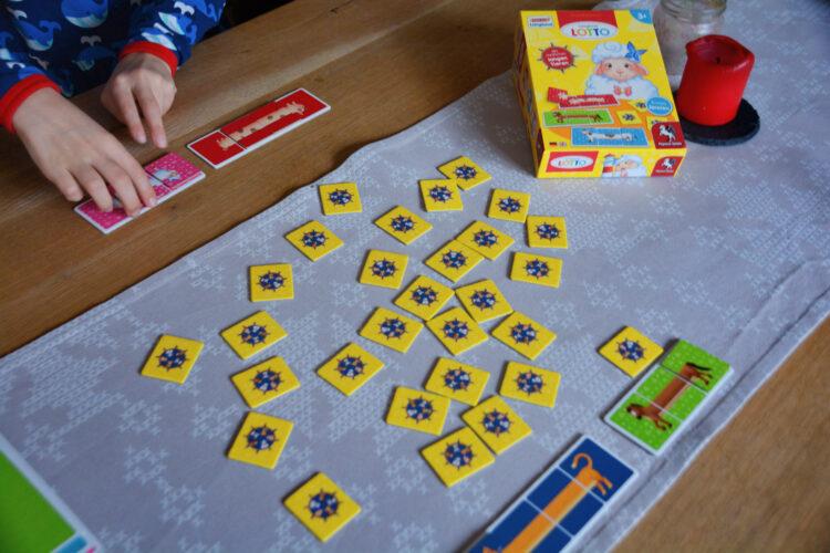 Kinderspiel spielen Langland