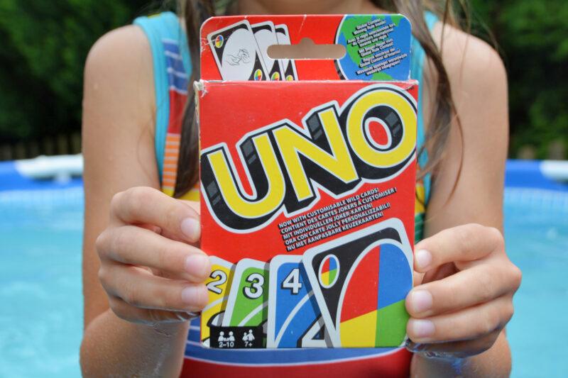 UNO – Der Kartenspielklassiker für die ganze Familie ist bei uns gerade der Hit!